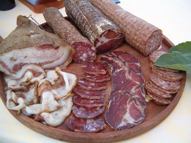 lonza-salame-salumi-marchigiani